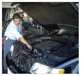 Mercedes benz mechanics serving santa monica ca for Mercedes benz of santa monica